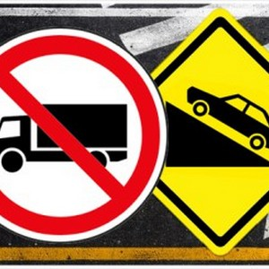 Caminhão de sinalização viária